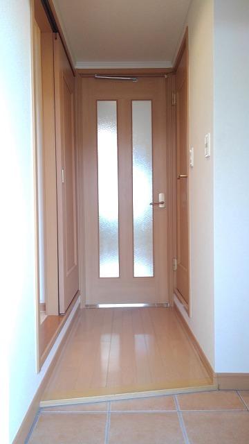 カルム・セーズ 02010号室の玄関