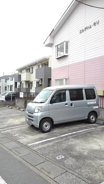 エルディムモリ 02030号室の駐車場