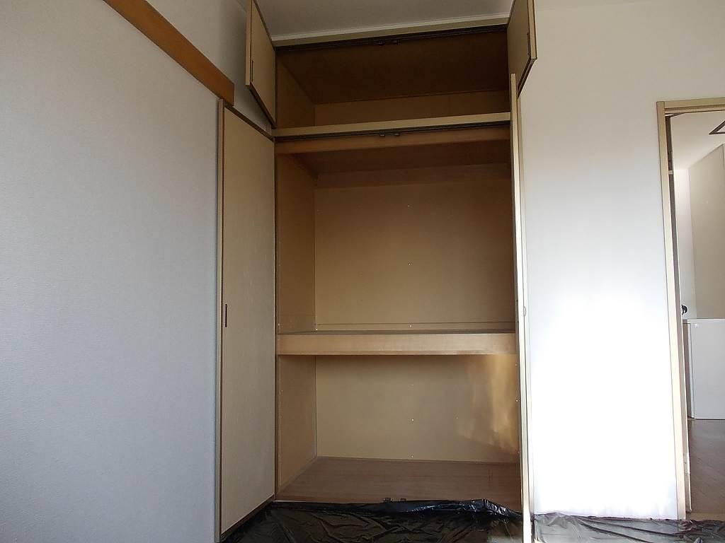 ルミエールハウス 02010号室の収納