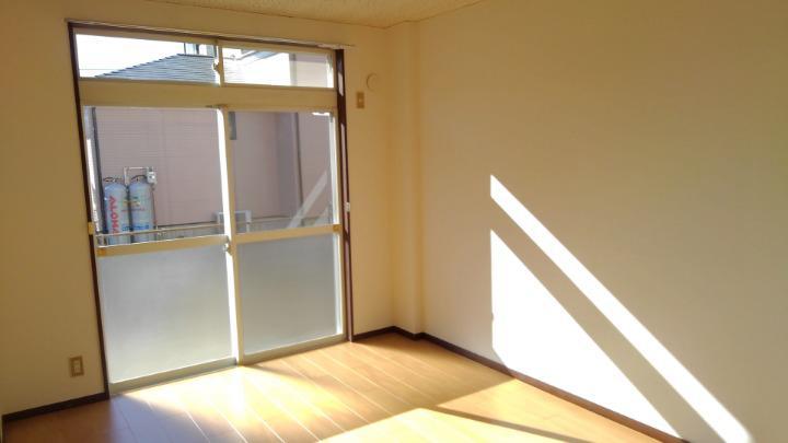 エルディム長谷川Ⅰ 01010号室の居室