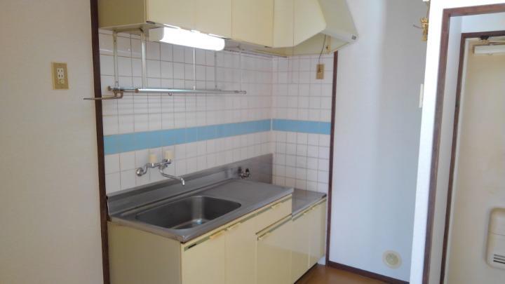 エルディム長谷川Ⅰ 01010号室のキッチン