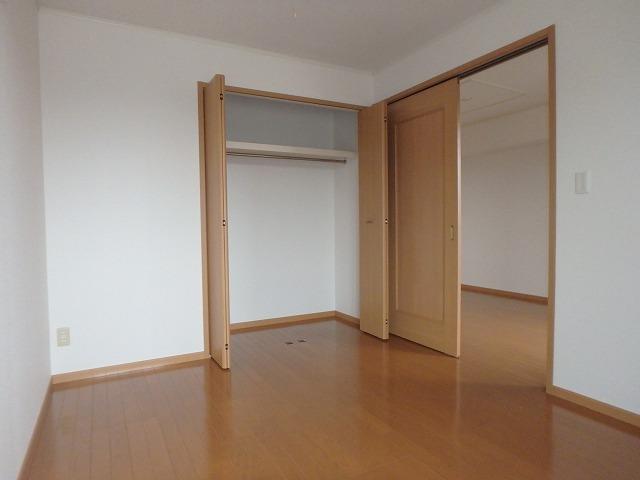 フォンティーヌB 02020号室の収納