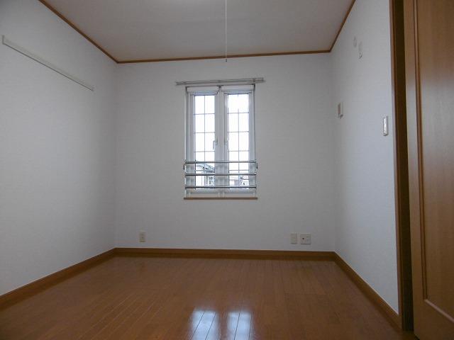 ラフィネ・ロジュマン B 02030号室の居室
