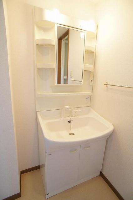 プレミール 02030号室の洗面所