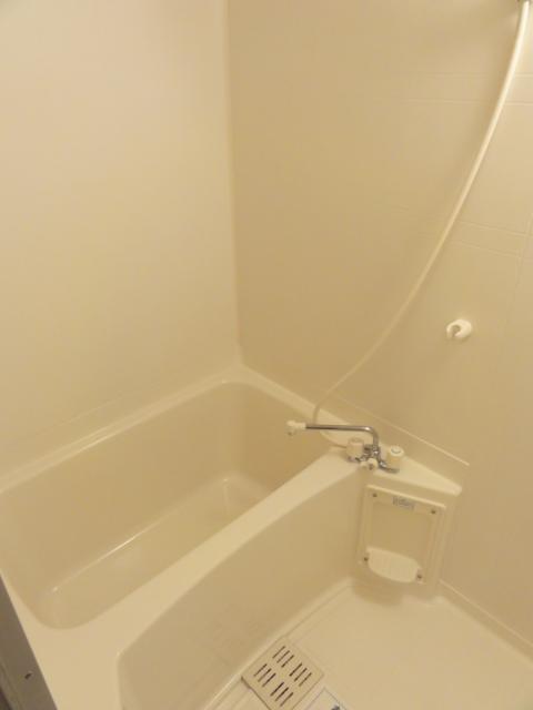 ファミール井上Ⅱ 01010号室の風呂