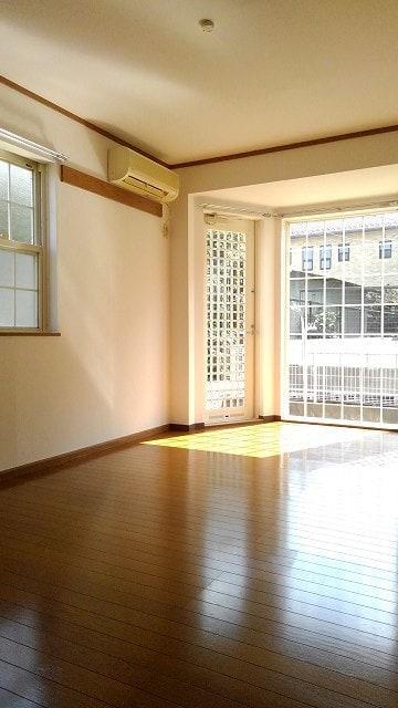 グリーン・ミヌマ 01010号室のリビング