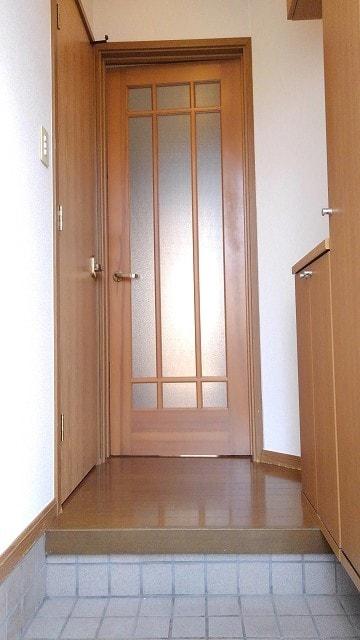 グリーン・ミヌマ 01010号室の玄関