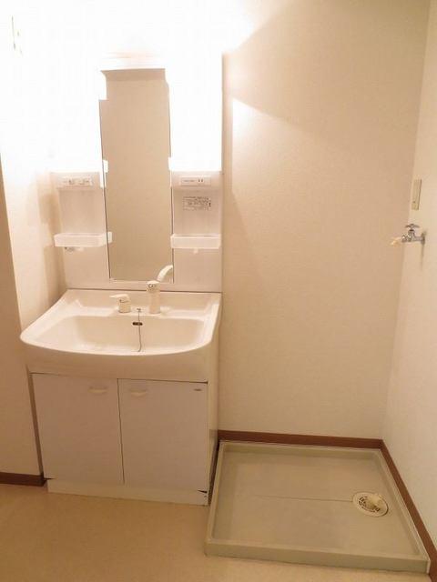 リバーパーク参番館 01040号室の洗面所