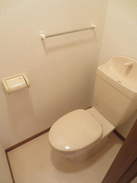 リバーパーク参番館 01040号室のトイレ