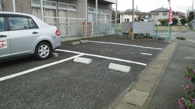 第2コーポミドリ 02030号室の駐車場