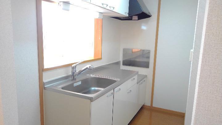 セレニテ 02010号室のキッチン