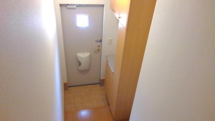 セレニテ 02010号室の玄関