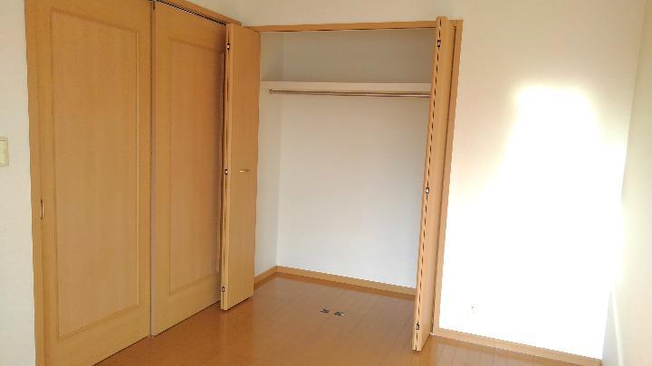 セレニテ 02010号室の収納