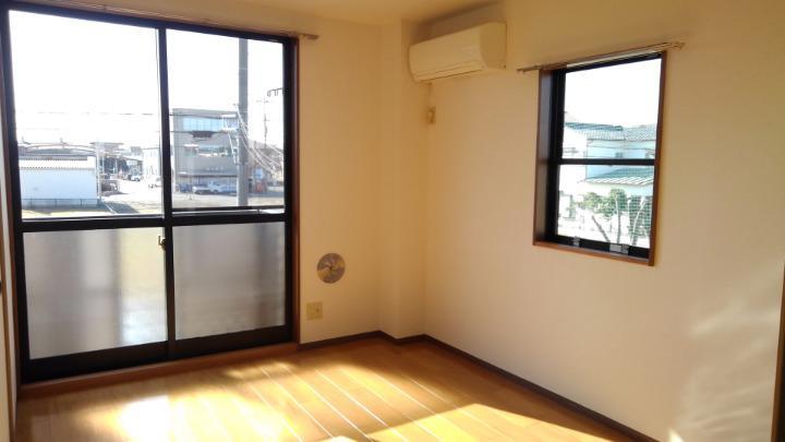 エルみなみ1 02020号室の居室