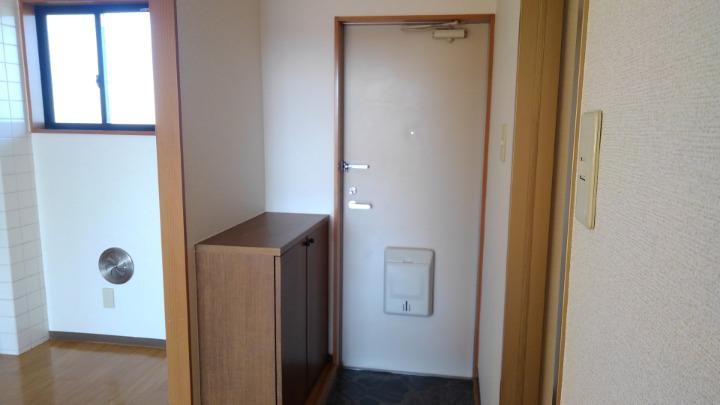 エルみなみ1 02020号室の玄関