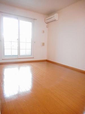 サンリットA 02010号室のリビング