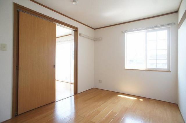 メゾンカネジョウ 01030号室の居室