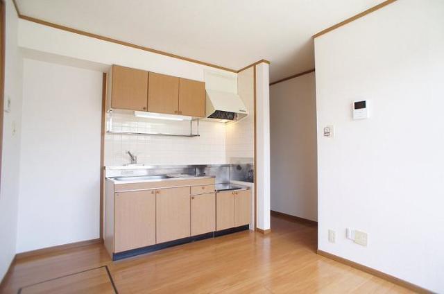 メゾンカネジョウ 01030号室のキッチン