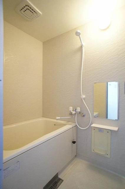 メゾンカネジョウ 01030号室の風呂