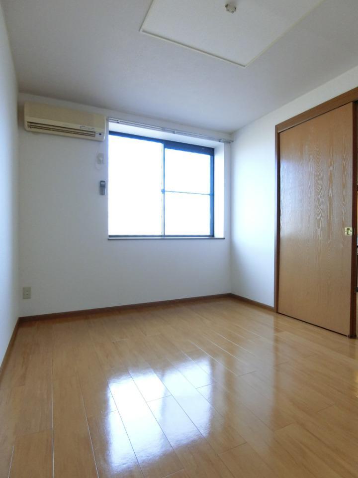 アビタシオン.プランス 01030号室の居室
