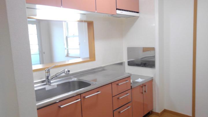 プリムローズⅡ 02010号室のキッチン