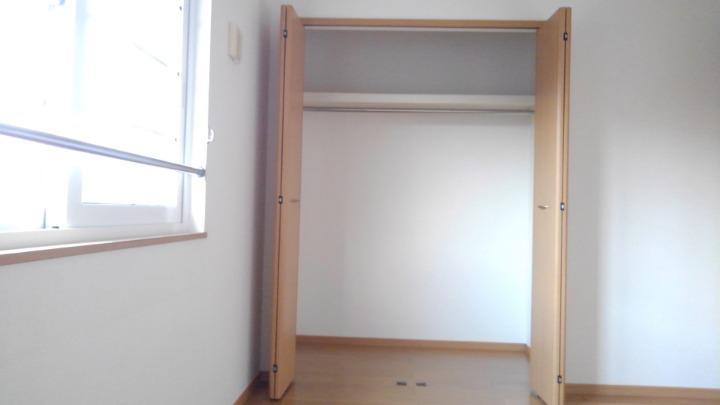 プリムローズⅡ 02010号室の収納