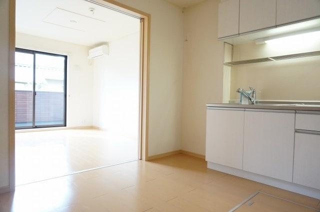 エテルノ ブリ-ズ 01030号室のキッチン