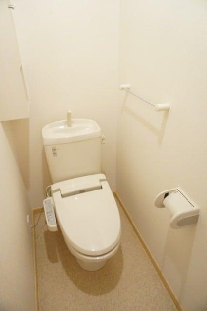 エテルノ ブリ-ズ 01030号室のトイレ