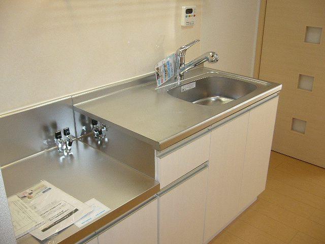 ソレイユ・A 02010号室のキッチン