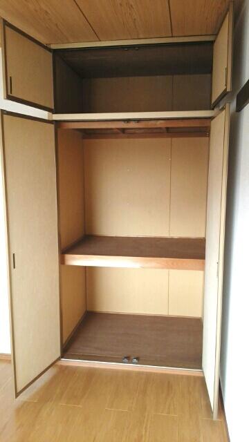 グリーンハイツA 01030号室の収納
