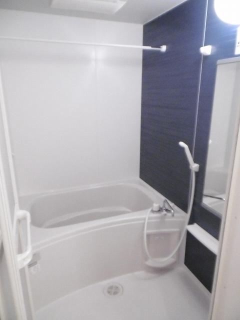 UMEDAガーデンヒルズB 02010号室の風呂