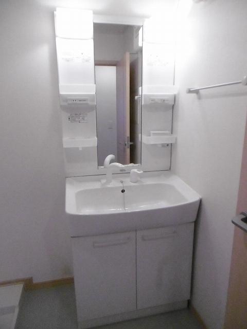 UMEDAガーデンヒルズB 02010号室の洗面所