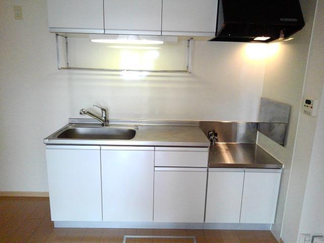 ルピナス・グロー 01040号室のキッチン