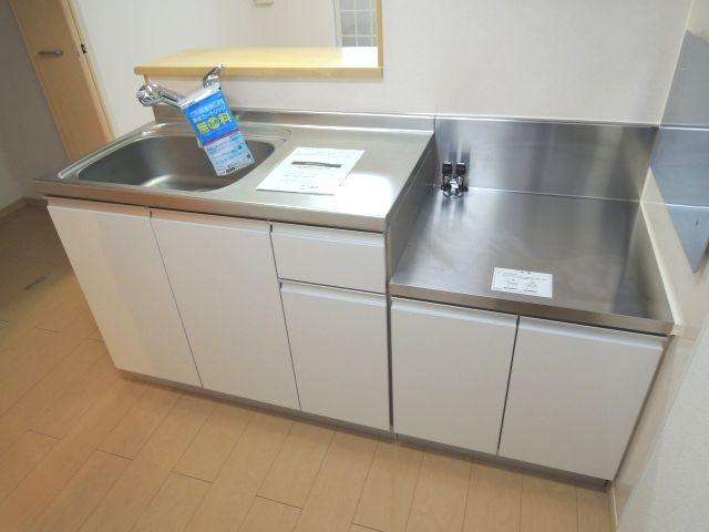 メルヴェーユパルファンC 01060号室のキッチン
