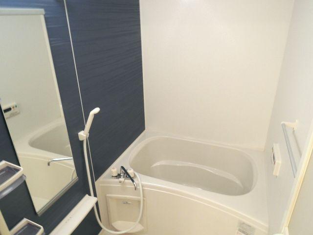 メルヴェーユパルファンC 01060号室の風呂