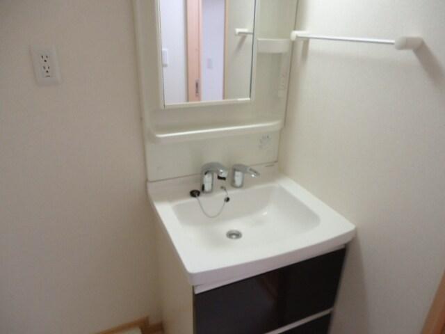 ピアセンティーナ 04030号室の洗面所
