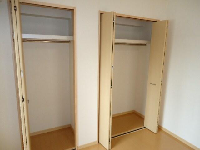 ピアセンティーナ 04030号室の収納