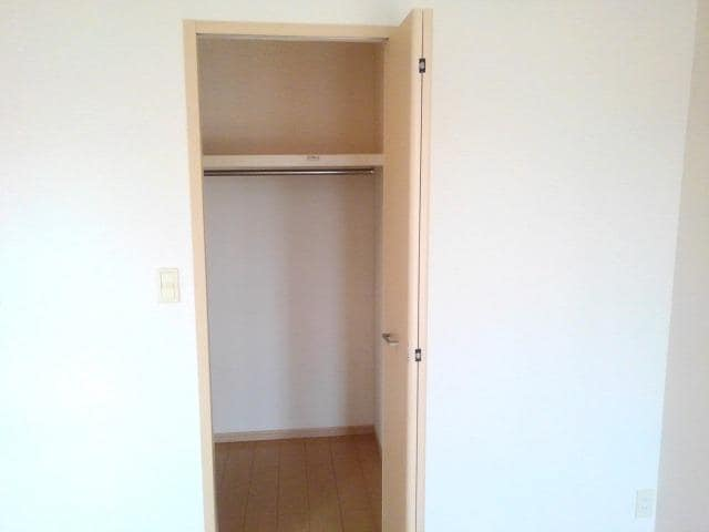 ラッセルルピナス 02010号室の収納