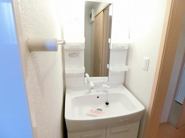 セレーノB 01010号室の洗面所