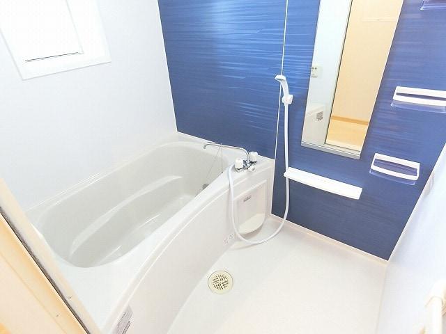 セレーノB 02010号室の風呂