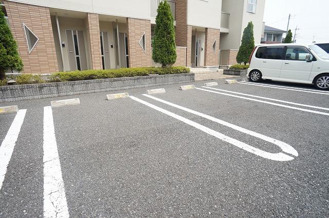 アスカB 01040号室の駐車場