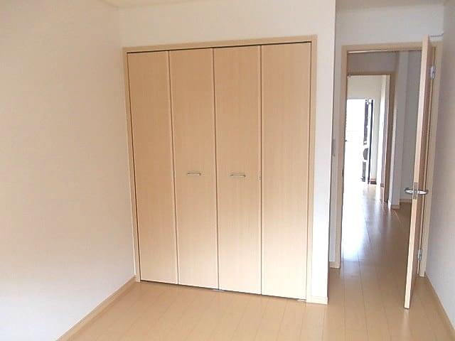 エテルノ ブリ-ズ Ⅱ 01020号室の収納