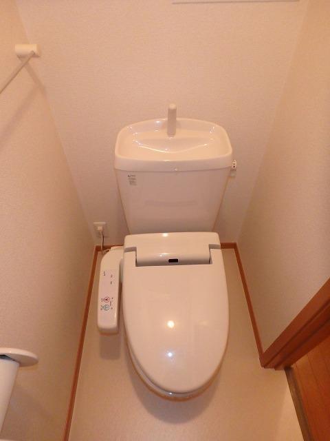 シェーロ・ステラートA 02030号室のトイレ