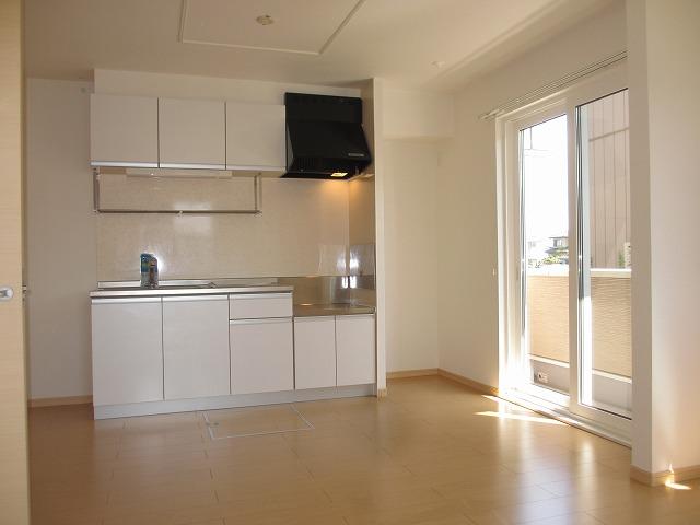 ヒルサイドハウスⅠ 01020号室のリビング