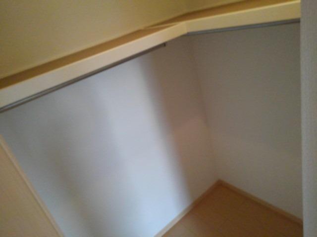 プティ アンジュⅠ 02020号室の収納