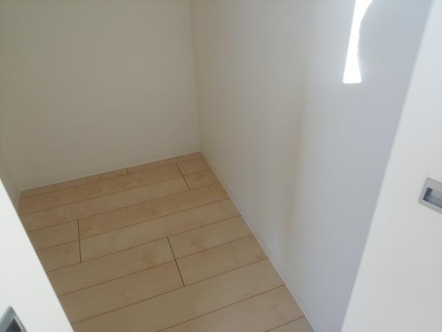 コンフォートスクエア 02010号室の収納
