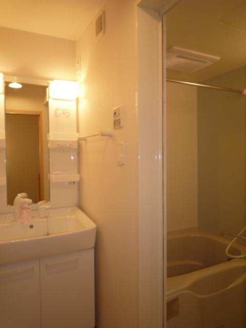 アプローズ 02020号室の洗面所