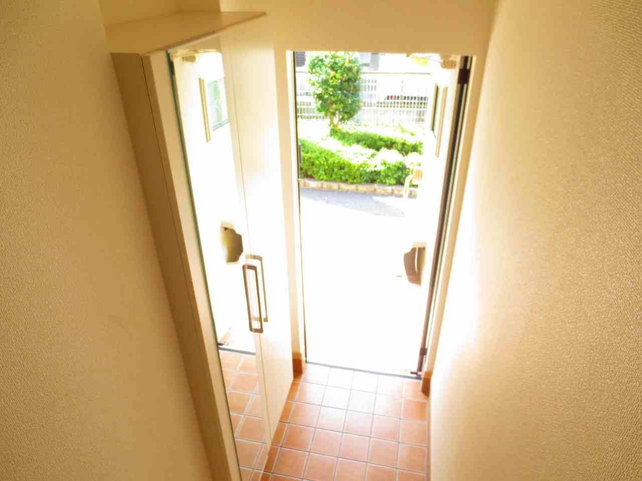 アプローズ 02020号室の玄関