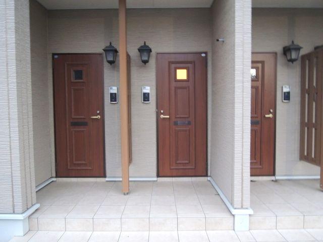 アロッジオ 01010号室の玄関