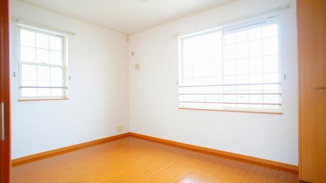 プラティ-クⅠ 02010号室の収納